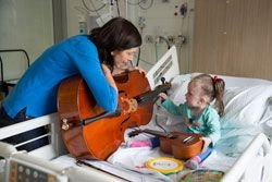Musician-Georgina-with-patient-on-3A.jpg